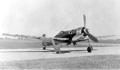 The Focke-Wulf Ta 152 was a World War II German high-altitude fighter-interceptor designed by Kurt Tank and produced by Focke-Wulf. The Ta 152 was a development of the Focke-Wulf Fw 190 aircraft. Aircraft Propeller, Ww2 Aircraft, Fighter Aircraft, Military Aircraft, Luftwaffe, Fighter Pilot, Fighter Jets, Ta 152, Focke Wulf 190