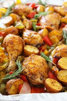 Rosemary Roasted Chicken with Bell Peppers and Potatoes Rosemary Roasted Chicken with Bell Peppers and Potatoes – Crispy, tender roasted chicken with bell peppers, potatoes and onions makes an easy one-pan weeknight meal! Rosemary Roasted Chicken, Roasted Chicken And Potatoes, Chicken Zucchini, Chicken Theighs, Pepper Chicken, Chicken Spices, Rotisserie Chicken, Fried Chicken, Chicken Peppers And Onions