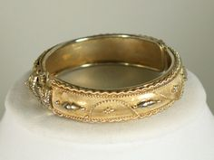 Vintage Gold Tone Hinged Bracelet Vintage by IRENESVINTAGEBLING