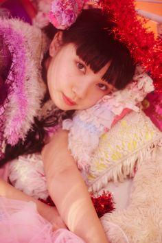 Ladybaby ( 黒宮れい / Rei Kuromiya   レディビアード / Ladybeard   金子理江 / Rie Kaneko )