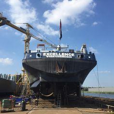 """MTS Excellence voorzien van #belettering en #roef afgekit #binnenvaart #signing #kitwerk"""