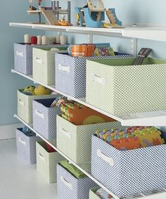 Espectaculares 12 Ideas De Organizadores Hechos Con Cajas De Cartón. ¡Te Van A Encantar!. | Manualidades eli... Creative Toy Storage, Kid Toy Storage, Lego Storage, Space Saving Shelves, Small Space Storage, Bathroom Storage Solutions, Small Bathroom Storage, Bedroom Storage, Closet Storage