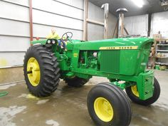 Old John Deere Tractors, Jd Tractors, Vintage Tractors, John Deere 2010, John Deere Equipment, Classic Tractor, Hobby Farms, Agriculture, Lighthouses