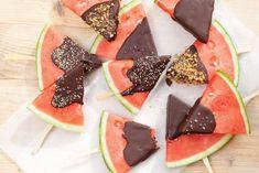 foodblabla🍉Watermelon & Chocolatedip 🍫 Anyone? Recipe link in bio. Chocolate Heaven, Chocolate Lovers, Recipe Link, Latte, Fruit, Cooking, Sweet, Desserts, Om