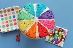 Savory magic cake with roasted peppers and tandoori - Clean Eating Snacks Chocolates, Wheel Cake, Hazelnut Cake, Rainbow Food, Colorful Cakes, Take The Cake, Rainbow Birthday, Savoury Cake, Diy Party