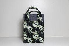 Punisher   Extra Large Handy Bag