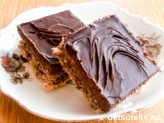 Sarah Bernhardt i langpanne Scandinavian Food, Nom Nom, Almond, Sweet Tooth, Bakery, Goodies, Lchf, Sweets, Chocolate