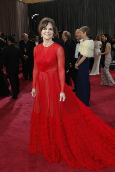 Sally Field in Valentino and Martin Katz Music Film, Oscars, Mother Of The Bride, Sally, Red Carpet, Valentino, Runway, Formal Dresses, Celebrities