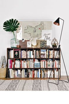 Love this bookshelf display