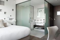Outstanding choices to consider Room Door Design, Hotel Room Design, Bathroom Interior Design, Small Room Bedroom, Modern Bedroom, Bedroom Decor, Master Bedrooms, Open Bathroom, Glass Bathroom