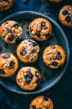 These delicious One Bowl Chocolate Chip & Blueberry Banana Bread Muffins are a healthified version of the classic with no oil or refined sugar. Blueberry Banana Bread, Blueberry Chocolate, Banana Bread Muffins, Chocolate Chip Muffins, Banana Bread Recipes, Chocolate Croissant, Healthy Muffin Recipes, Healthy Muffins, Healthy Desserts