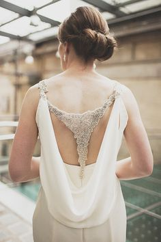 A Glamorous and Backless Enzoani Wedding Dress for a Colourful City Chic Celebration Photography by http://www.annahardy.co.uk/
