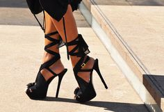 Sexy Strappy Heels !
