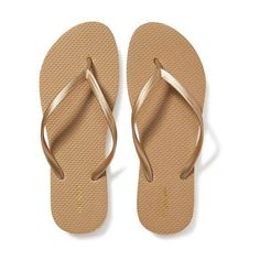 Old Navy Womens Classic Flip Flops ($3.94) ❤ liked on Polyvore featuring shoes, sandals, flip flops, gold, gold sandals, black white sandals, gold strappy sandals, gold strappy shoes and strappy sandals