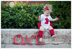 Great idea for one year pictures! Have to do this with my Olivia!!!