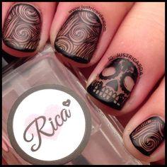 Dia De Los Muertos nails / skulls nails / sugar skulls nails / Halloween nails / Rica / www.justricarda.com