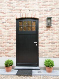 This type of garage door makeover is honestly a notable design procedure. Garage Door Styles, Garage Door Design, Outdoor Paint, Outdoor Decor, Brick Arch, Garage Door Makeover, Carriage Doors, The Doors, Front Doors
