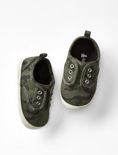 9d374b921856 Details about GAP Baby Boy NWT Size 0-3 Months Camo   Green Slip-On  Sneakers Shoes