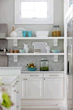 white kitchen cabinets with grey countertops (go darker than these) and light grey walls w/grey mix de casas Backsplash For White Cabinets, White Kitchen Cabinets, Kitchen Shelves, Grey Backsplash, Grey Countertops, Backsplash Ideas, White Cupboards, Grey Cabinets, Upper Cabinets