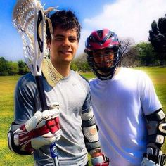 Dylan O'Brien (Stiles Stilinski) and Tyler Posey (Scott McCall) on the set of Teen Wolf. Dylan O'brien, Teen Wolf Dylan, Teen Wolf Cast, Lacrosse, Chibi, Scott And Stiles, Teen Wolf Seasons, Teen Tv, Scott Mccall