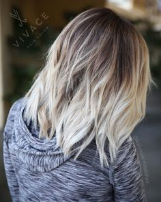 Low maintenance icy blonde featuring bright tones blending into a rooty base. Highlight color blend by Kalyn Sieminski. Tie And Dye Blonde, Icy Blonde, Bright Blonde, Balayage Hair Blonde, Ombre Hair, Blonde Grise, Creative Hair Color, Best Hair Loss Treatment, Low Maintenance Hair