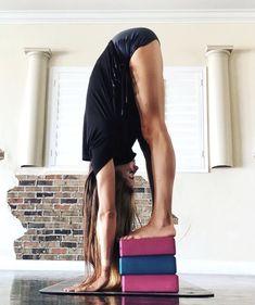 yoga fitness,yoga for beginners,yoga poses,yoga stretches Yoga Flow, Yoga Meditation, Kundalini Yoga, Pranayama, Yoga Inspiration, Fitness Inspiration, Yoga Photos, Yoga Pictures, Yoga Images