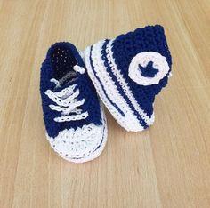 """""""Mi piace"""": 27, commenti: 2 - Patrizia Buono (@imago_be_creative) su Instagram: """"Un #nuovo #paio di #scarpine #converse #bimbo 3-6 mesi in consegna ... #baby #boy #crochet  #shoes…"""""""
