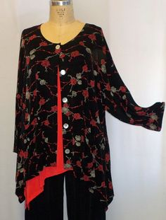 Coco and Juan Lagenlook Plus Size Black Climbing Rose Slinky Angled Jacket Top One Size Bust  to 60 inches