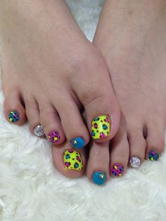Adorable cheetah print nails #colornails