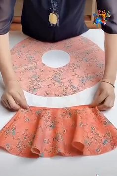 Sewing Clothes, Diy Clothes, Sewing Collars, Diy Fashion Hacks, Girls Frock Design, Baby Frocks Designs, Designs For Dresses, Sewing Lessons, Dresses Kids Girl