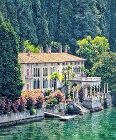 Villa Jobs & Vacancies for a Summer Abroad Sorrento Italy, Sicily Italy, Naples Italy, Venice Italy, Lake Como Villas, Places To Travel, Places To Go, Comer See, Us Labor Day