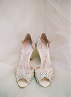Beautiful bridal shoes! Photography http://elisabricker.com/