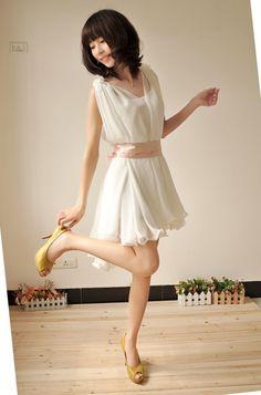 Nouvelle robe de demoiselle d'honneur avec jupon et ceinture pas cher