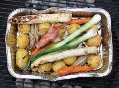 madopskrift-kartofler-gulerødder-i-alubakke-på-grill #kartofler på grill