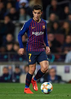 Philippe Coutinho of Barcelona runs with the ball during the Copa del. Barcelona Fc, Barcelona Football, Perfect Legs, Soccer News, Soccer Stars, Juventus Fc, Sports Images, Lionel Messi, Soccer Players