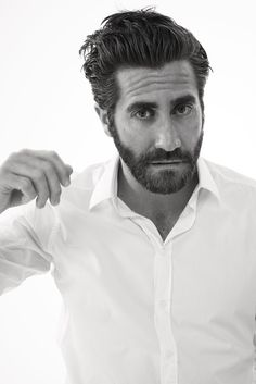 Jake Gyllenhaal for Esquire // photographed by David Slijper Jake Gyllenhaal Twitter, Jake Gyllenhaal Haircut, Gorgeous Body, Gorgeous Men, Beautiful People, Donnie Darko, Beard Lover, James Mcavoy, Liam Hemsworth