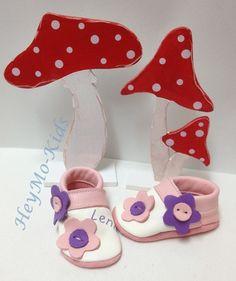 Krabbelschuhe Bio Puschen *Blumenwiese lila Rosa * von HeyMo Kids auf DaWanda.com