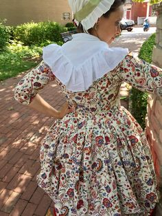 "Robe a l'Anglaise En Fourreau pleats 18th century dress English gown printed fabric ""India Garden"" by Colonial Williamsburg"