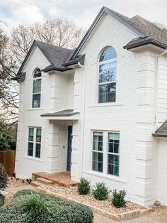 Stucco Exterior, House Paint Exterior, Exterior Paint Colors, Exterior House Colors, Stained Brick Exterior, Clapboard Siding, Vinyl Siding, Paint Colours, Grey Brick Houses