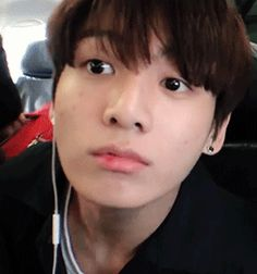 Bare-faced Jeongguk. 2/2 //// He's so handsome no matter what. /.