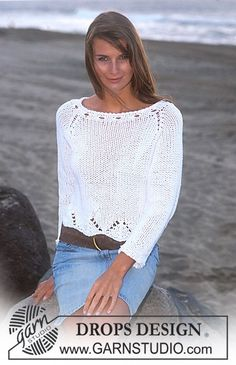 Suéter DROPS con patrón de calados y mangas raglán en Ice Patrón gratuito de DROPS Design.