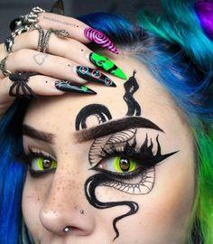 Edgy Makeup, Makeup Eye Looks, Grunge Makeup, Halloween Makeup Looks, Crazy Makeup, Face Paint Makeup, Eye Makeup Art, No Eyeliner Makeup, Maquillage Yeux Cut Crease