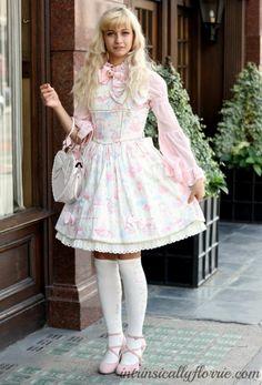 Frock On: Sweet Lolita Street Style