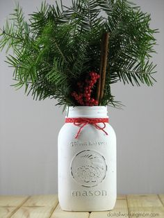 Simple Christmas Mason Jar Decoration