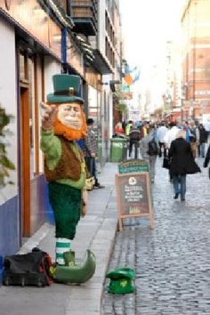 Day (6) Dublin Tour?:  Temple Bar: Funky shops, eclectic cafes and hordes of stylish young Europeans have made Temple Bar one of the most popular tourist destinations in the c...