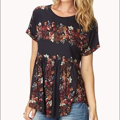 Forever 21 Bohemian Floral Top Wear it with love! Forever 21 Tops Tees - Short Sleeve