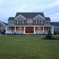 55 Awesome Home Exterior Design Ideas. You can fix your home exterior design even if you do not have much money. In this article I am going to talk about the ways to improve your home exterior design. Farmhouse Plans, Farmhouse Style, Modern Farmhouse, Farmhouse Front, Farmhouse Design, Farmhouse Bedrooms, Victorian Farmhouse, French Farmhouse, Traditional Exterior