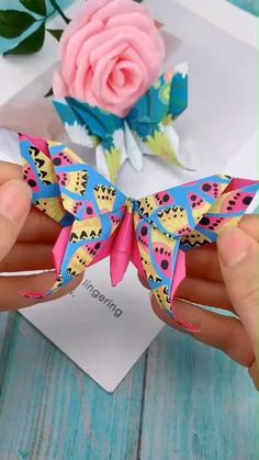 Creative handicraft – origami – Home crafts Paper Flowers Craft, Paper Crafts Origami, Paper Crafts For Kids, Flower Crafts, Paper Crafting, Diy Paper, Diy Crafts Butterfly, Paper Folding Art, Butterfly Gifts