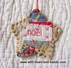 NOEL - Stitched From Recycled Vintage Quilt Piece. one says Noel, one says Peace, one says Joy. Christmas Ornaments To Make, Christmas Sewing, Noel Christmas, Homemade Christmas, Christmas Projects, Holiday Crafts, Vintage Christmas, Christmas Decorations, Christmas Quilting