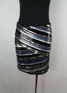 Kup mój przedmiot na #vintedpl http://www.vinted.pl/damska-odziez/spodnice/13558805-zmyslowa-cekinowa-spodnica-mini-vila-nowa-m